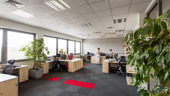 Lighting open office areas at Apator, Poland with Philips lighting solutions