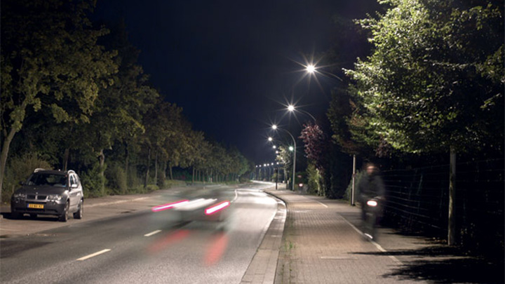 Philips white light effectively illuminates a street